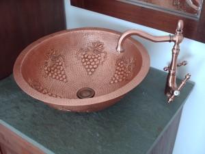 griferia y llaves de cobre rustico artesanal,vanitorios y lavaplatos cobre